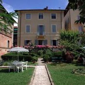 Ostelli e Alberghi - Villa Fiorita