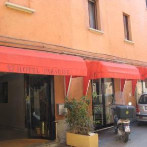 Ostelli e Alberghi - Hotel Paradise