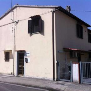 Ostelli e Alberghi - Holiday House Ospedale BnB
