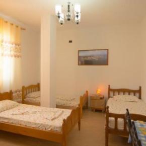 Ostelli e Alberghi - Almiri Guest House
