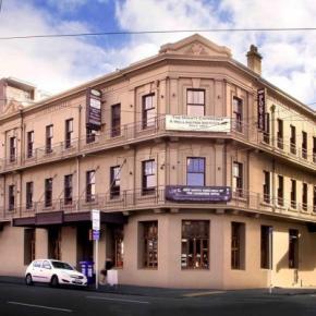 Ostelli e Alberghi - Cambridge Hotel