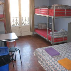 Ostelli e Alberghi - Backpackers House BCN