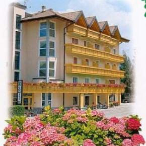 Ostelli e Alberghi - Hotel Dolomiti***
